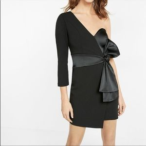 Gorgeous Express One Shoulder Bow Detail Dress